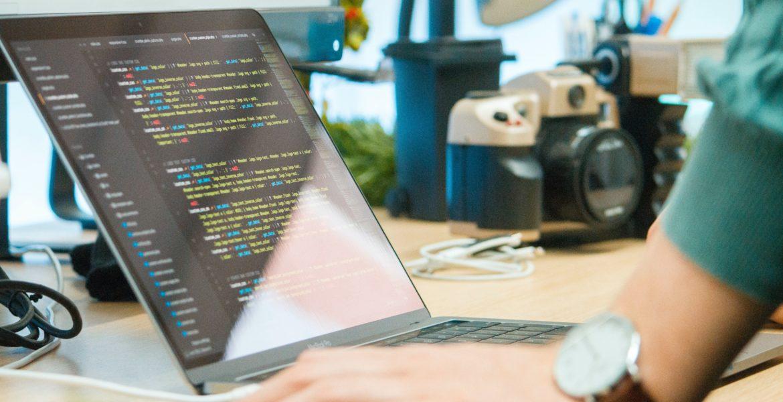 Quel code apprendre en premier ?
