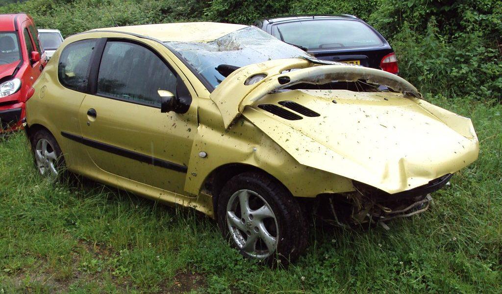 Pourquoi une voiture est déclarée épave